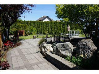 """Photo 15: 18039 68TH Avenue in Surrey: Cloverdale BC House for sale in """"NORTH CLOVERDALE WEST"""" (Cloverdale)  : MLS®# F1412711"""