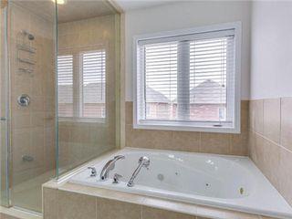Photo 4: 18 Mercedes Road in Brampton: Northwest Brampton House (2-Storey) for sale : MLS®# W3182521