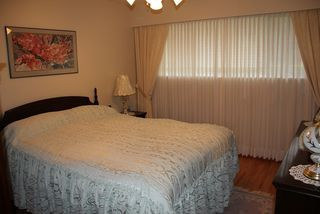 Photo 12: 6919 GRAY Ave in Burnaby South: Metrotown Home for sale ()  : MLS®# V993492