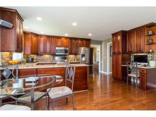 """Photo 7: 9734 206TH Street in Langley: Walnut Grove House for sale in """"Derby Hills"""" : MLS®# F1441883"""