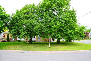 Photo 2: Main Fl 261 S Taylor Mills Drive in Richmond Hill: Crosby House (Bungalow) for lease : MLS®# N3480716
