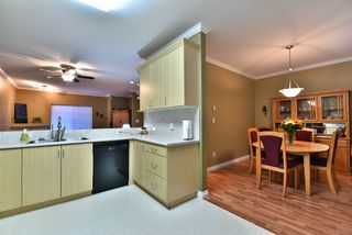 "Photo 9: 29 18181 68 Avenue in Surrey: Cloverdale BC Townhouse for sale in ""MAGNOLIA"" (Cloverdale)  : MLS®# R2072257"