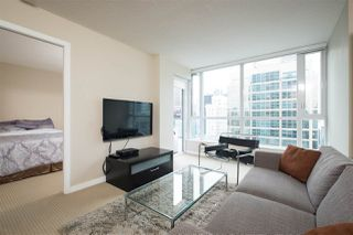 "Photo 2: 1402 833 SEYMOUR Street in Vancouver: Downtown VW Condo for sale in ""The Capitol Residences"" (Vancouver West)  : MLS®# R2104625"