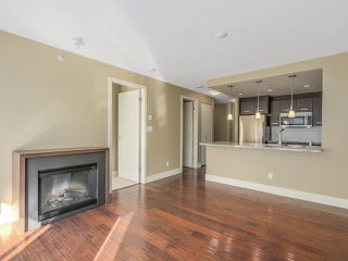 "Photo 4: 306 2959 GLEN Drive in Coquitlam: North Coquitlam Condo for sale in ""THE PARC"" : MLS®# R2111065"