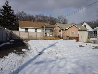Photo 28: 3733 20TH Avenue in Regina: River Heights Single Family Dwelling for sale (Regina Area 05)  : MLS®# 599426