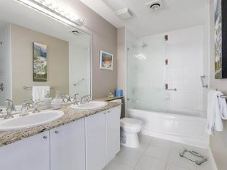 """Photo 15: 1402 138 E ESPLANADE in North Vancouver: Lower Lonsdale Condo for sale in """"PREMIER AT THE PIER"""" : MLS®# R2161323"""