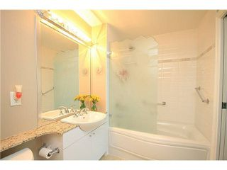"""Photo 17: 1402 138 E ESPLANADE in North Vancouver: Lower Lonsdale Condo for sale in """"PREMIER AT THE PIER"""" : MLS®# R2161323"""