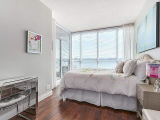 """Photo 14: 1402 138 E ESPLANADE in North Vancouver: Lower Lonsdale Condo for sale in """"PREMIER AT THE PIER"""" : MLS®# R2161323"""