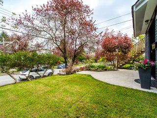 Photo 2: 1218 E 14TH Avenue in Vancouver: Mount Pleasant VE House for sale (Vancouver East)  : MLS®# R2164714