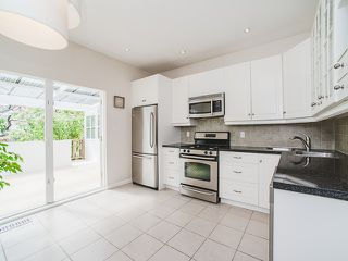 Photo 8: 1218 E 14TH Avenue in Vancouver: Mount Pleasant VE House for sale (Vancouver East)  : MLS®# R2164714