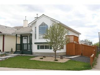Main Photo: 416 MT ABERDEEN Close SE in Calgary: McKenzie Lake House for sale : MLS®# C4116988