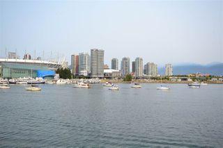 Photo 3: 305 123 W 1ST Avenue in Vancouver: False Creek Condo for sale (Vancouver West)  : MLS®# R2193386