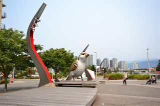 Photo 4: 305 123 W 1ST Avenue in Vancouver: False Creek Condo for sale (Vancouver West)  : MLS®# R2193386