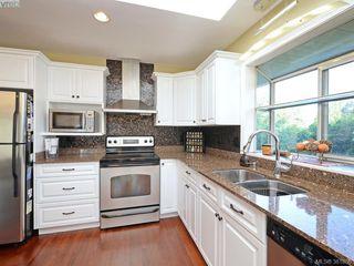 Photo 8: 4901 Maxine Lane in VICTORIA: SE Cordova Bay Single Family Detached for sale (Saanich East)  : MLS®# 767062