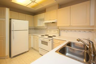 "Photo 8: 320 22025 48 Avenue in Langley: Murrayville Condo for sale in ""Autumn Ridge"" : MLS®# R2192847"