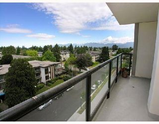 Photo 2: 703 7088 SALISBURY AVENUE in Burnaby: Highgate Condo for sale (Burnaby South)  : MLS®# R2209667