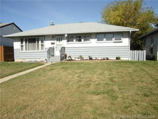Photo 2: 4114 38 Street in Red Deer: RR Mountview Residential for sale : MLS®# CA0033646