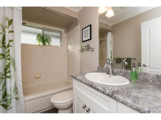"Photo 18: 102 15018 THRIFT Avenue: White Rock Condo for sale in ""Orca Vista"" (South Surrey White Rock)  : MLS®# R2230528"