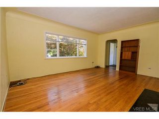 Photo 1: 434 Arnold Avenue in VICTORIA: Vi Fairfield West Residential for sale (Victoria)  : MLS®# 352539