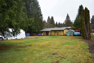 Main Photo: 5605 GOWLAND Road in Sechelt: Sechelt District House for sale (Sunshine Coast)  : MLS®# R2244198