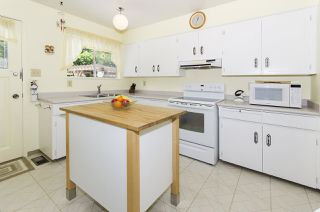 Photo 4: 3345 HENRY STREET in Port Moody: Port Moody Centre House for sale : MLS®# R2176365