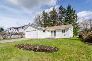 Photo 1: 9017 156 Street in Surrey: Fleetwood Tynehead House for sale : MLS®# R2252391