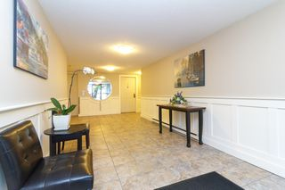 Photo 2: 204 2360 James White Boulevard in SIDNEY: Si Sidney North-East Condo Apartment for sale (Sidney)  : MLS®# 389730