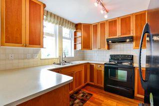 """Photo 10: 411 15392 16A Avenue in Surrey: King George Corridor Condo for sale in """"Ocean Bay Villas"""" (South Surrey White Rock)  : MLS®# R2254344"""