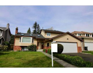 Photo 1: 3295 BERMON Place in North Vancouver: Lynn Valley House for sale : MLS®# R2256344