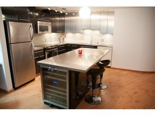 "Photo 2: 5-4 550 BEATTY Street in Vancouver: Downtown VW Condo for sale in ""Downtown VW"" (Vancouver West)  : MLS®# R2279256"