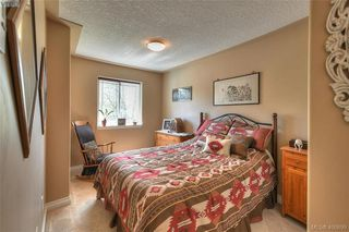 Photo 16: 1006 Isabell Avenue in VICTORIA: La Walfred Single Family Detached for sale (Langford)  : MLS®# 400899