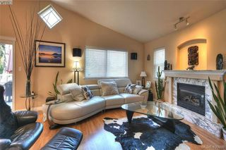 Photo 6: 1006 Isabell Ave in VICTORIA: La Walfred House for sale (Langford)  : MLS®# 799932