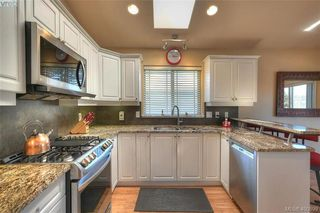 Photo 13: 1006 Isabell Ave in VICTORIA: La Walfred House for sale (Langford)  : MLS®# 799932
