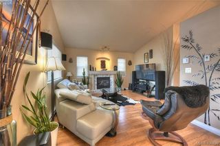 Photo 7: 1006 Isabell Ave in VICTORIA: La Walfred House for sale (Langford)  : MLS®# 799932