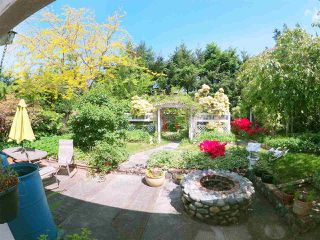Photo 1: 5702 MEDUSA Street in Sechelt: Sechelt District House for sale (Sunshine Coast)  : MLS®# R2323721