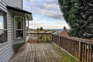 Photo 3: 19628 68 Avenue in Langley: Willoughby Heights House for sale : MLS®# R2327312