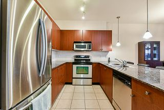 "Photo 4: 302 15385 101A Avenue in Surrey: Guildford Condo for sale in ""Charlton Park"" (North Surrey)  : MLS®# R2328972"