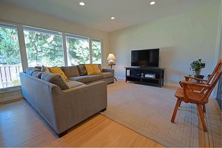 Photo 2: 1669 HARBOUR Drive in Coquitlam: Harbour Place House for sale : MLS®# R2331004