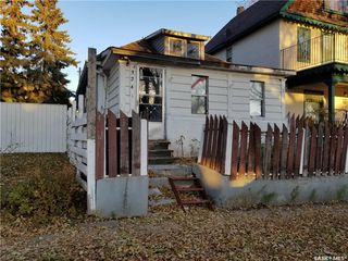 Photo 2: 324 J Avenue North in Saskatoon: Westmount Residential for sale : MLS®# SK757230