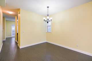 """Photo 4: 24 8655 159 Street in Surrey: Fleetwood Tynehead Townhouse for sale in """"Springfield Court"""" : MLS®# R2339578"""