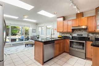 Photo 7: 1535 KINGS Avenue in West Vancouver: Ambleside House for sale : MLS®# R2360802