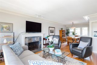 Photo 5: 1535 KINGS Avenue in West Vancouver: Ambleside House for sale : MLS®# R2360802