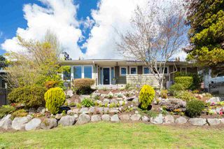 Main Photo: 1535 KINGS Avenue in West Vancouver: Ambleside House for sale : MLS®# R2360802