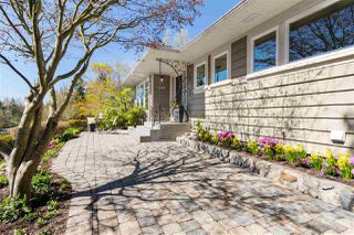 Photo 3: 1535 KINGS Avenue in West Vancouver: Ambleside House for sale : MLS®# R2360802
