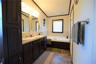 Photo 12: 38 TIMBER Lane in St Clements: Pineridge Trailer Park Residential for sale (R02)  : MLS®# 1912545