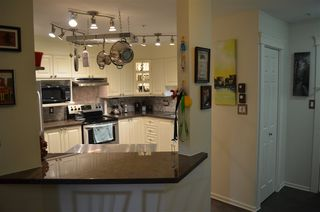 "Photo 4: 106 1575 BEST Street: White Rock Condo for sale in ""Embassy"" (South Surrey White Rock)  : MLS®# R2370402"