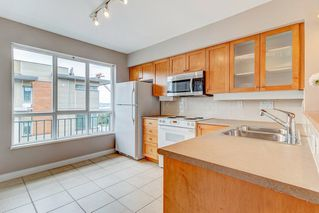 "Photo 5: 18 288 ST. DAVID'S Avenue in North Vancouver: Lower Lonsdale Townhouse for sale in ""St. Davids Landing"" : MLS®# R2384322"