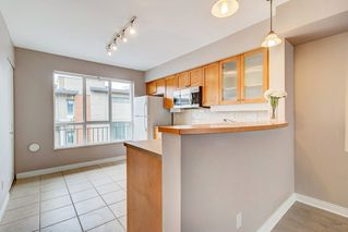 "Photo 4: 18 288 ST. DAVID'S Avenue in North Vancouver: Lower Lonsdale Townhouse for sale in ""St. Davids Landing"" : MLS®# R2384322"