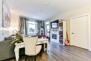 """Photo 5: 117 22 E ROYAL Avenue in New Westminster: Fraserview NW Condo for sale in """"The Lookout - Victoria Hill"""" : MLS®# R2385035"""