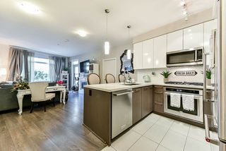 """Photo 4: 117 22 E ROYAL Avenue in New Westminster: Fraserview NW Condo for sale in """"The Lookout - Victoria Hill"""" : MLS®# R2385035"""